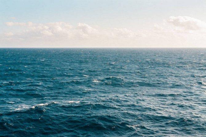 Людина, яка розуміє, навіщо живе, схожий на океан