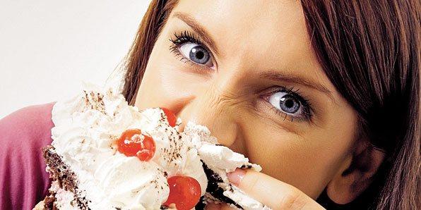 Ознаки харчової залежності Дівчина з тортом